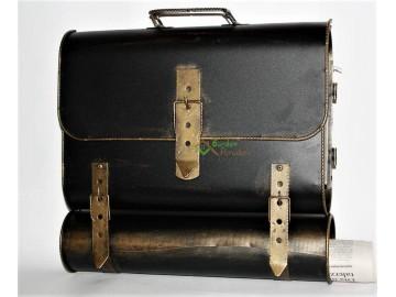 Briefkasten mit Zeitungsrolle Postkasten Zeitungsbox